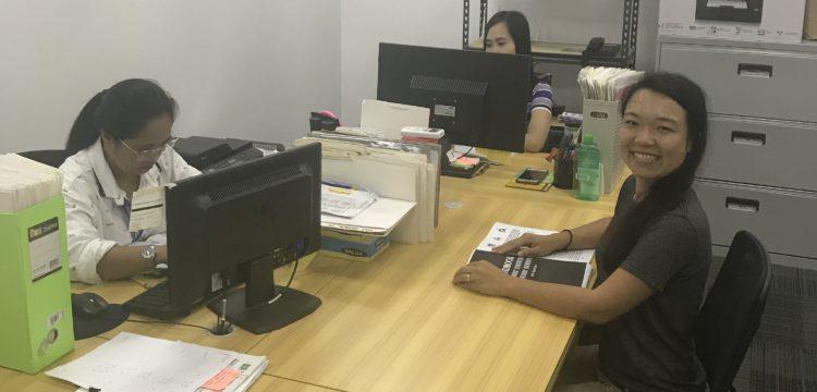クラークオフィス風景